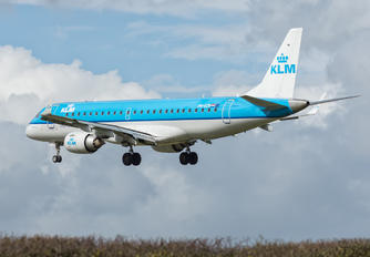 PH-EZN - KLM Cityhopper Embraer ERJ-190 (190-100)