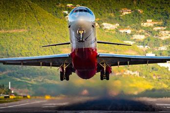 HI-977 - PAWA Dominicana McDonnell Douglas MD-83