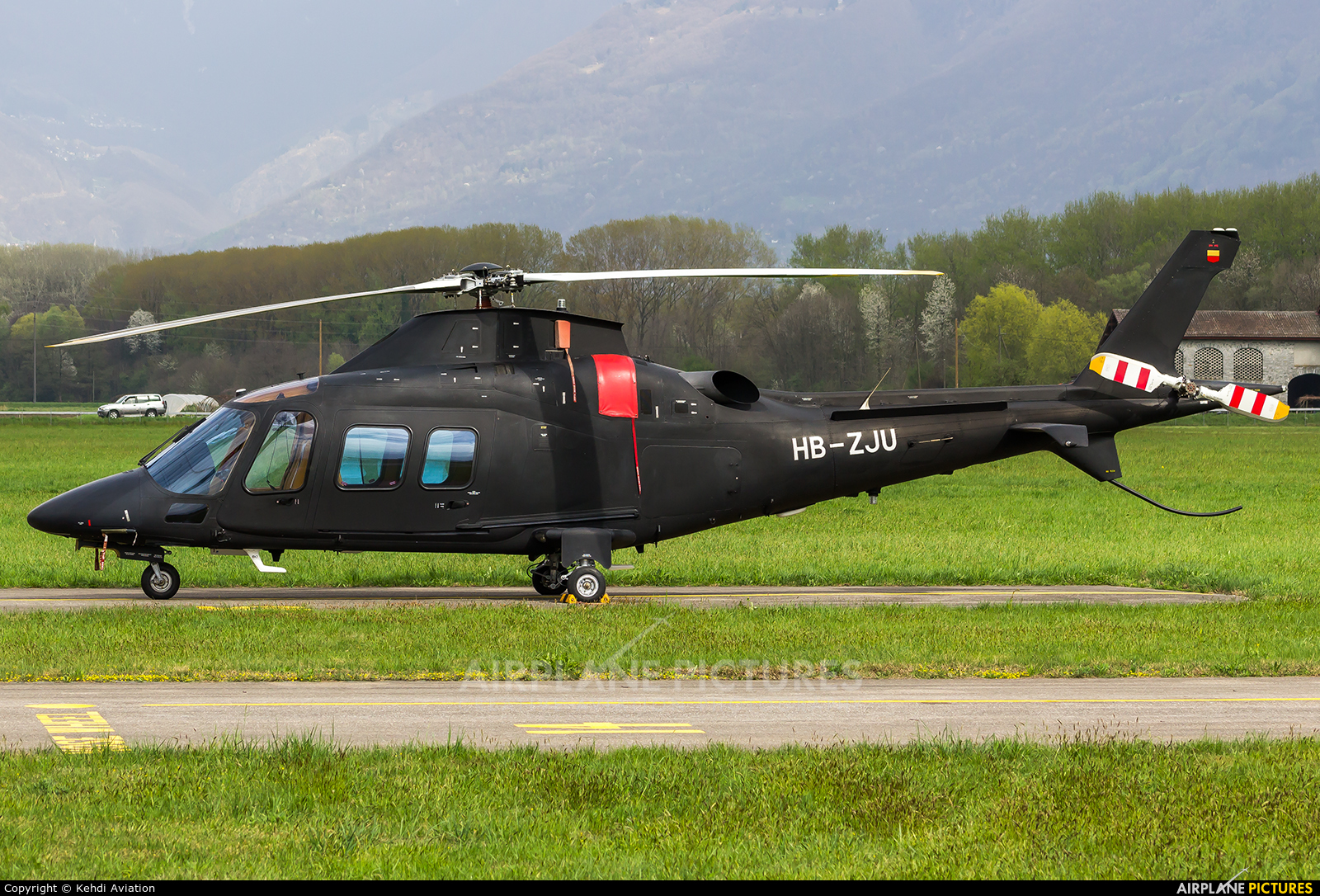 Private HB-ZJU aircraft at Locarno