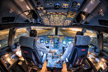 - -  Airbus A321