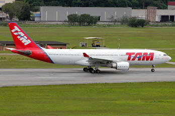 PT-MVF - TAM Airbus A330-200