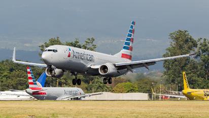 N928NN - American Airlines Boeing 737-800