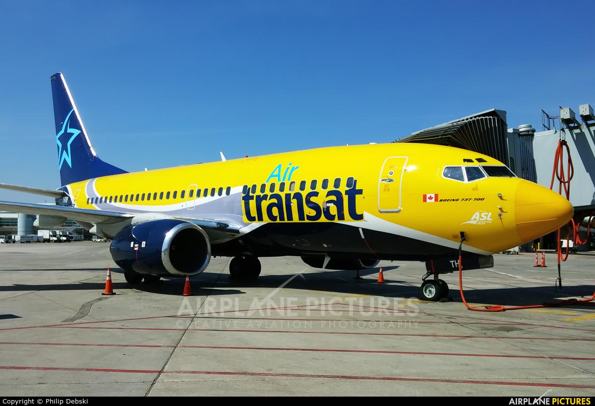 c gtqp air transat boeing 737 700 at toronto pearson intl on photo id 712334 airplane
