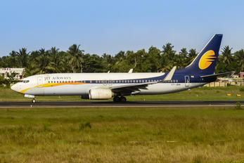 VT-JBN - Jet Airways Boeing 737-800