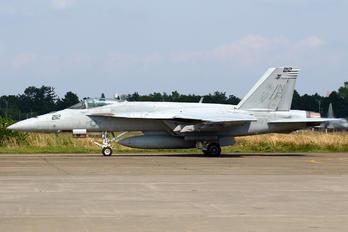168465 - USA - Navy Boeing F/A-18E Super Hornet