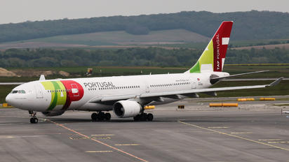 LOWW - TAP Portugal Airbus A330-200