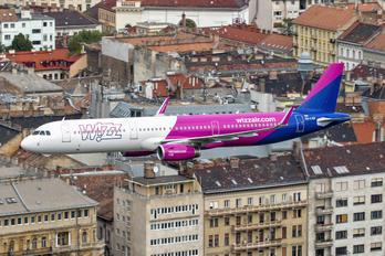 HA-LXD - Wizz Air Airbus A321