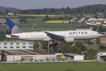 N773UA - United Airlines Boeing 777-200ER
