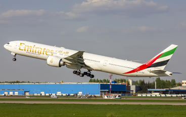 A6-EBK - Emirates Airlines Boeing 777-300ER