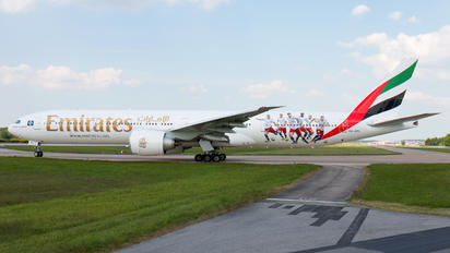 A6-EPL - Emirates Airlines Boeing 777-300ER