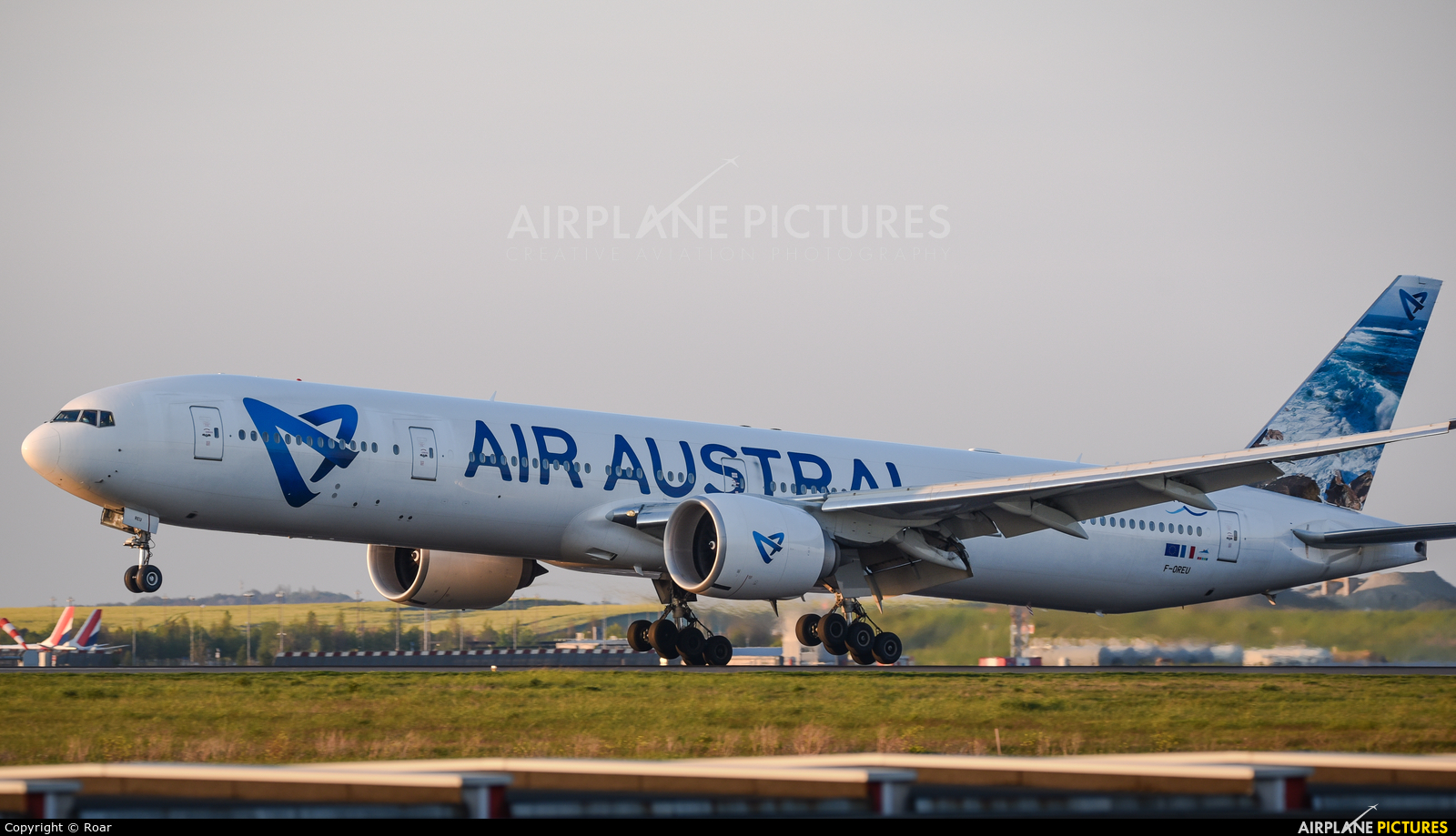 F oreu air austral boeing 777 300er at paris charles for Interieur boeing 777