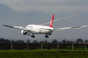 TC-LJC - Turkish Airlines Boeing 777-300ER