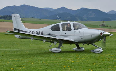 OK-OAM - Private Cirrus SR22