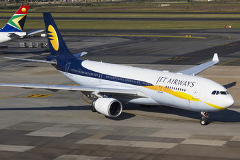 A6-EYC - Jet Airways Airbus A330-200