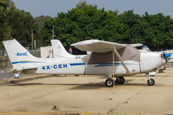 4X-CEH - Private Cessna 172 Skyhawk (all models except RG)