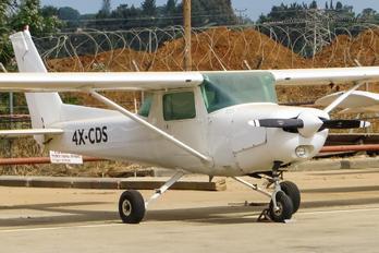 4X-CDS - Golden Wings Cessna 152