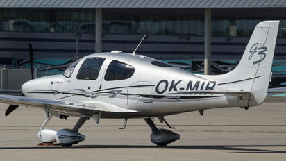 OK-MIR - Private Cirrus SR22