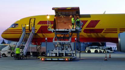 D-ALEI - DHL Cargo Boeing 757-200F