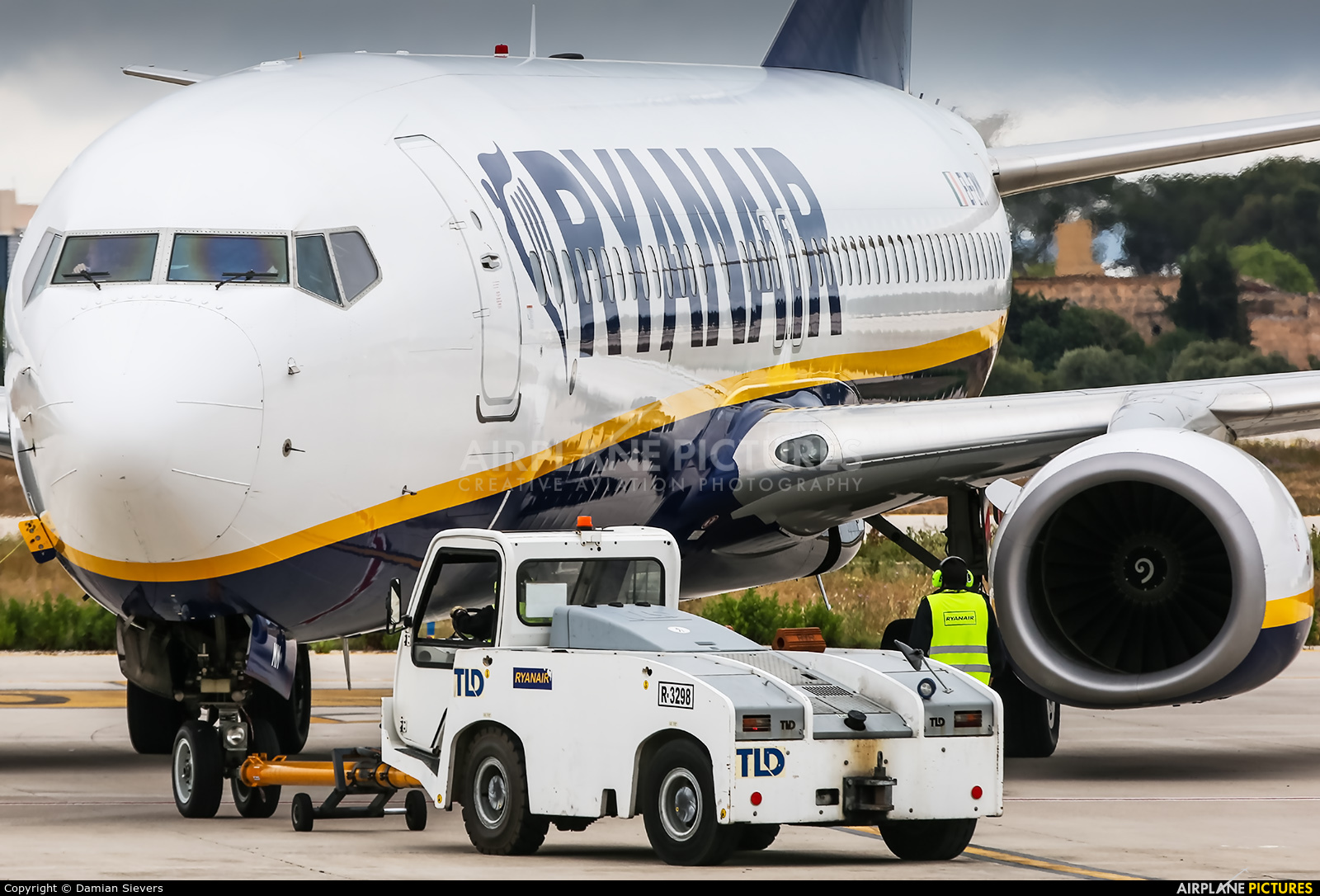 Ryanair EI-EMM aircraft at Palma de Mallorca