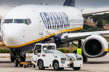 EI-EMM - Ryanair Boeing 737-800