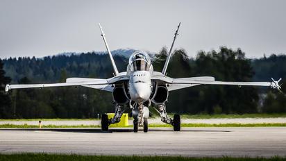 HN-467 - Finland - Air Force McDonnell Douglas F-18D Hornet