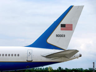 99-0003 - USA - Air Force Boeing C-32A