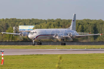 RF-75499 - Russia - Air Force Ilyushin Il-18 (all models)