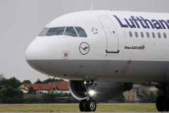 D-AIZK - Lufthansa Airbus A320