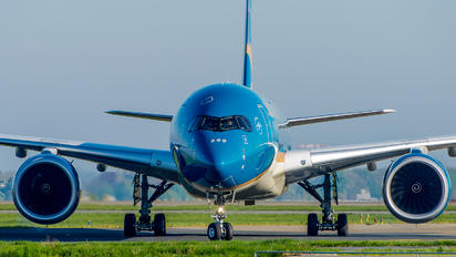 VN-A887 - Vietnam Airlines Airbus A350-900