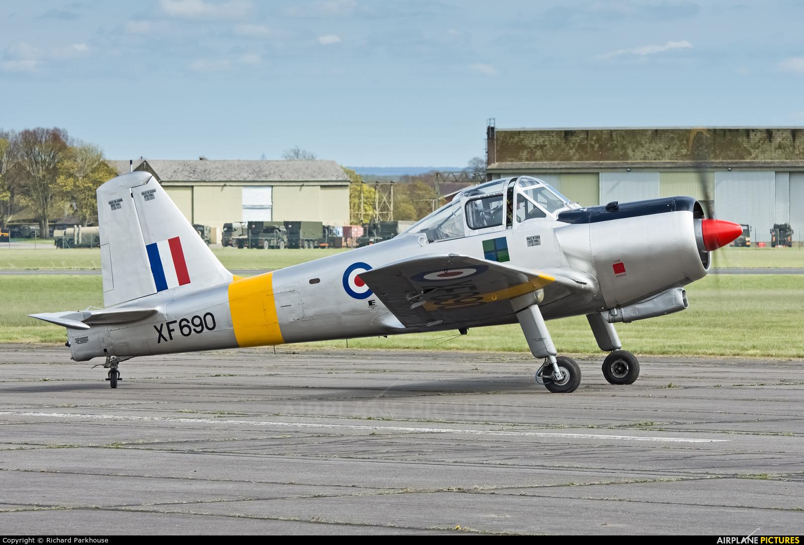 Private G-MOOS aircraft at Abingdon