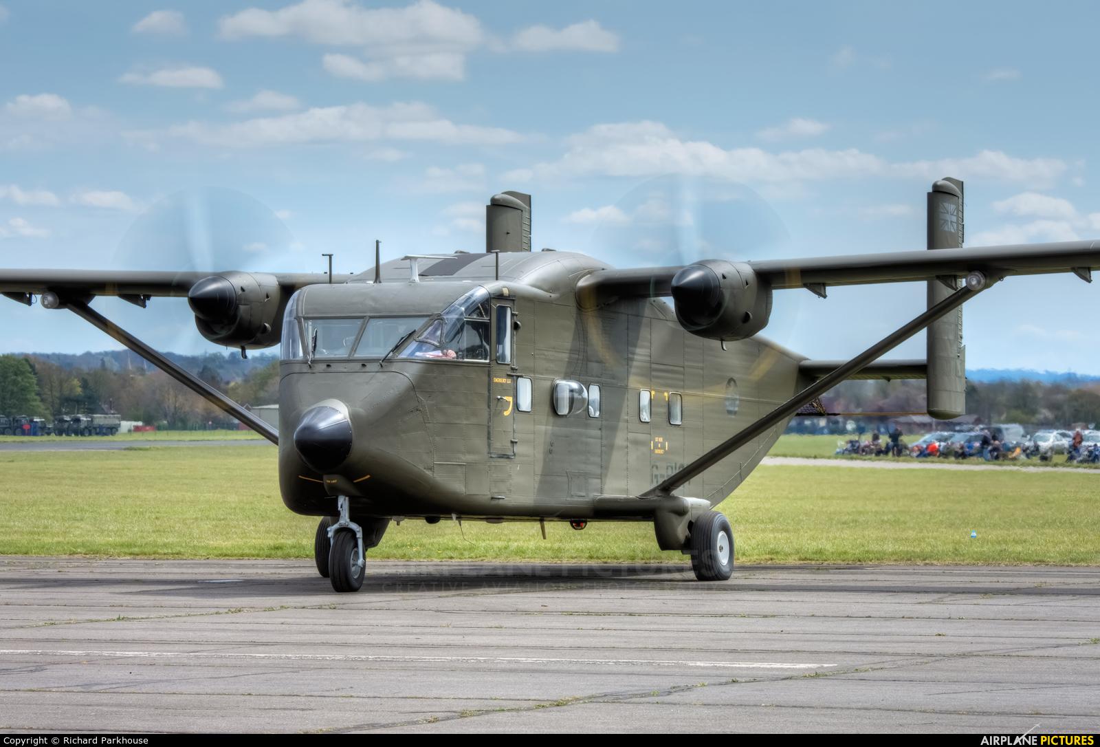 Invicta Aviation G-PIGY aircraft at Abingdon