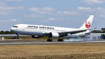 JA602J - JAL - Japan Airlines Boeing 767-300ER aircraft