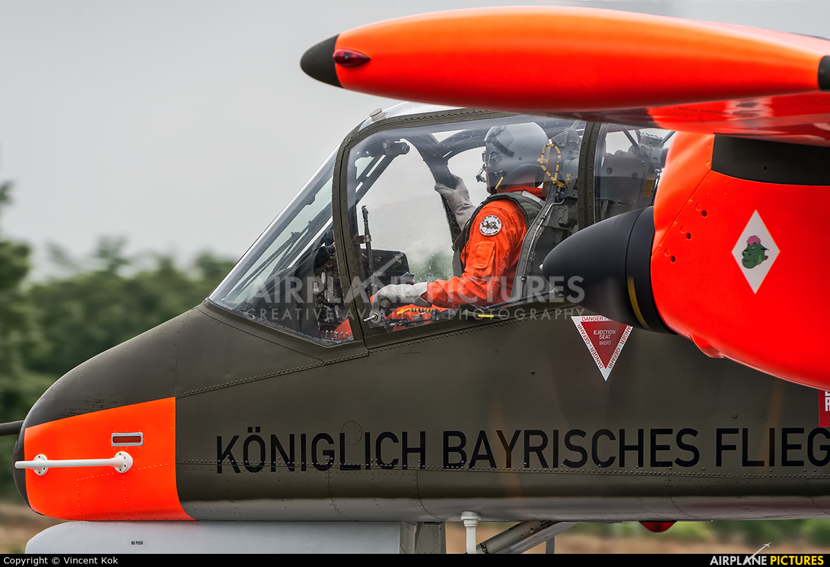 Bronco Demo Team G-ONAA aircraft at Uden - Volkel