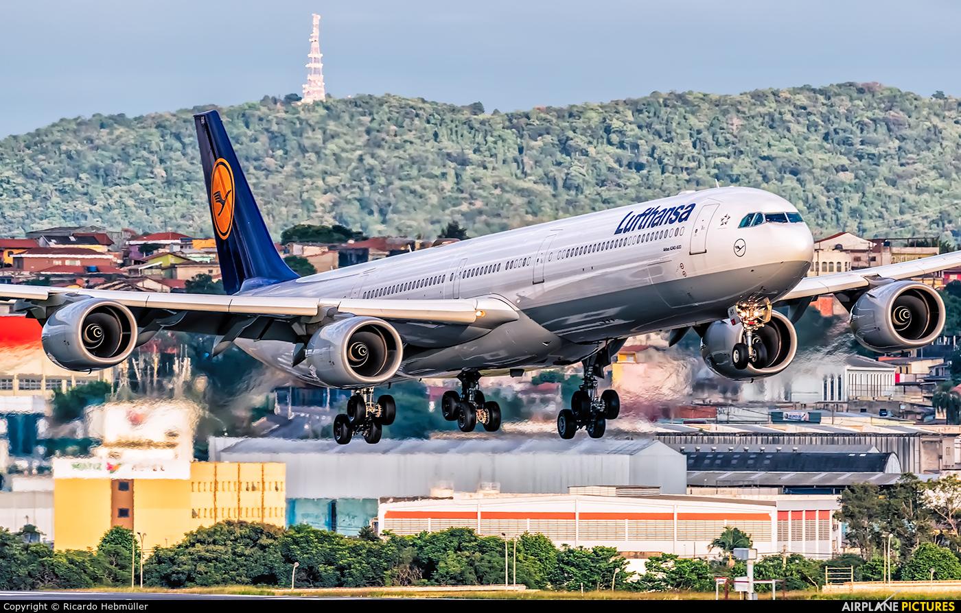 Lufthansa D-AIHY aircraft at São Paulo - Guarulhos