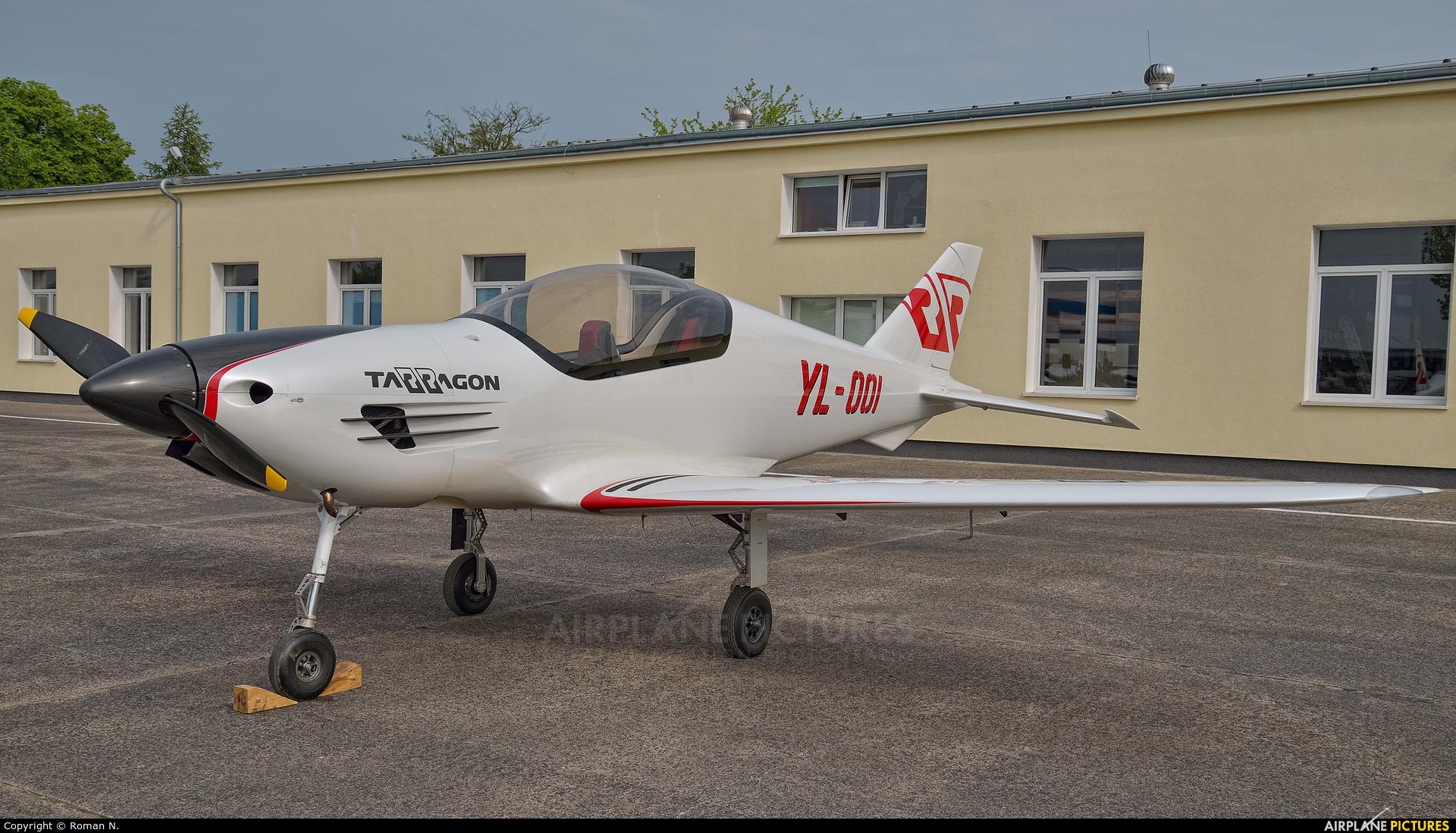 Private YL-001 aircraft at Bydgoszcz - Szwederowo