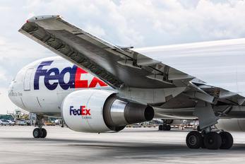 N113FE - FedEx Federal Express Boeing 767-300F