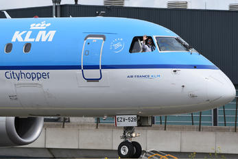 PH-EZV - KLM Cityhopper Embraer ERJ-190 (190-100)
