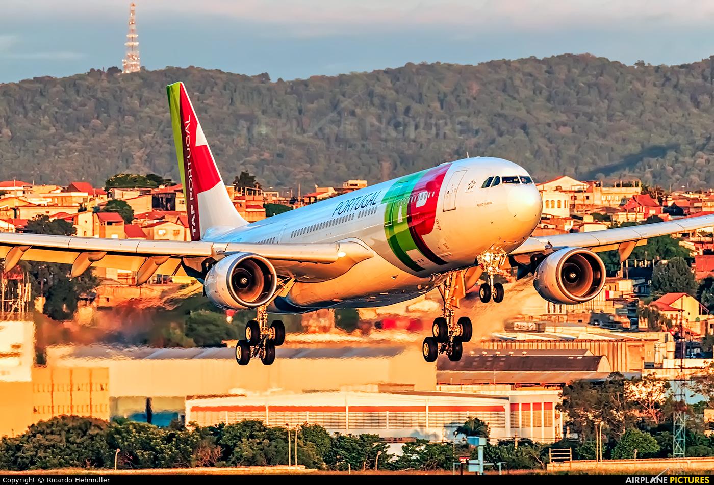 TAP Portugal CS-TOQ aircraft at São Paulo - Guarulhos