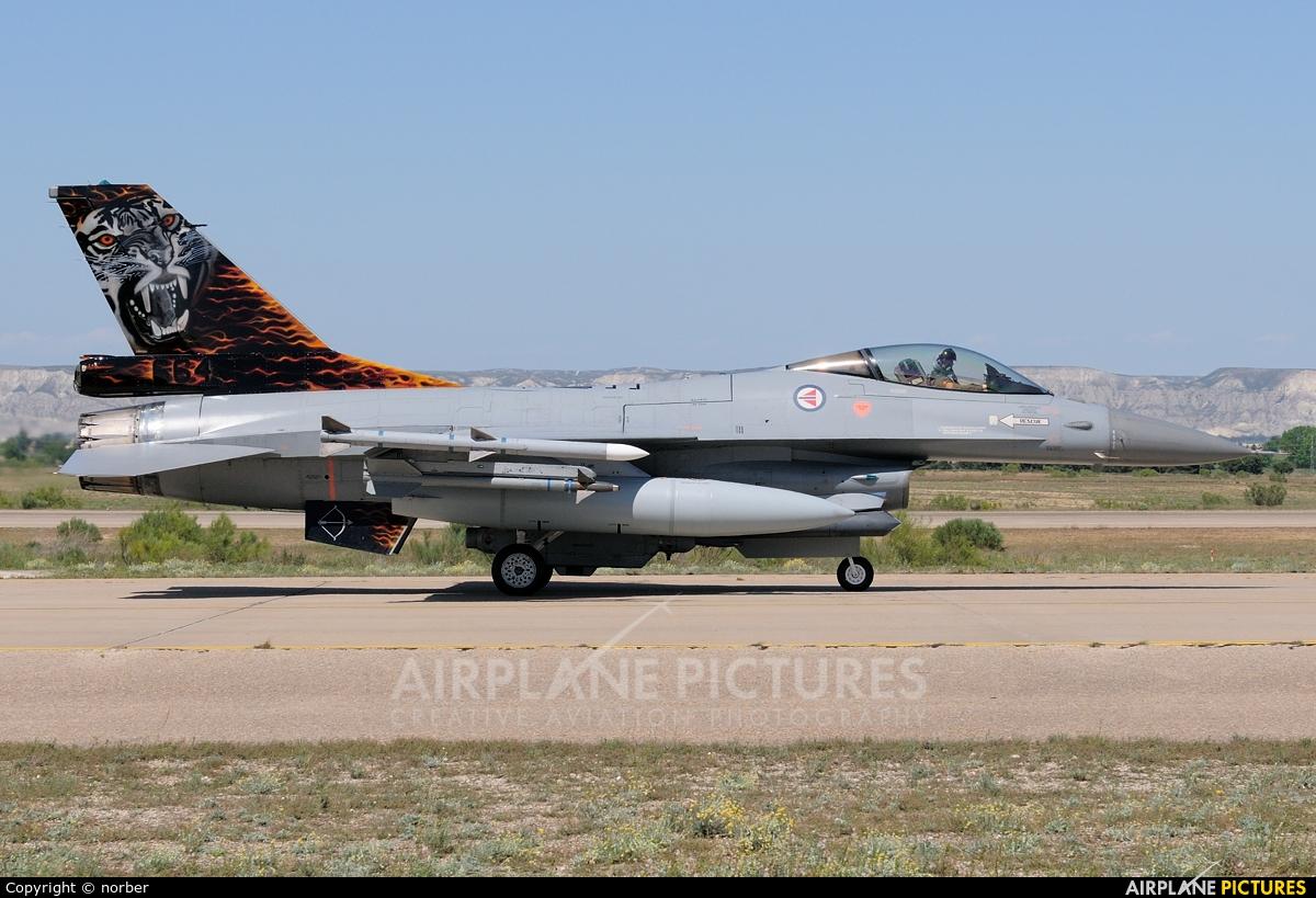 Norway - Royal Norwegian Air Force 664 aircraft at Zaragoza