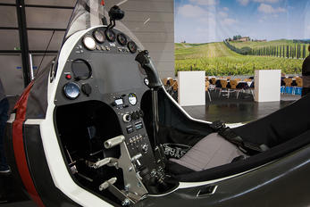 - - Private AutoGyro Europe MT-03