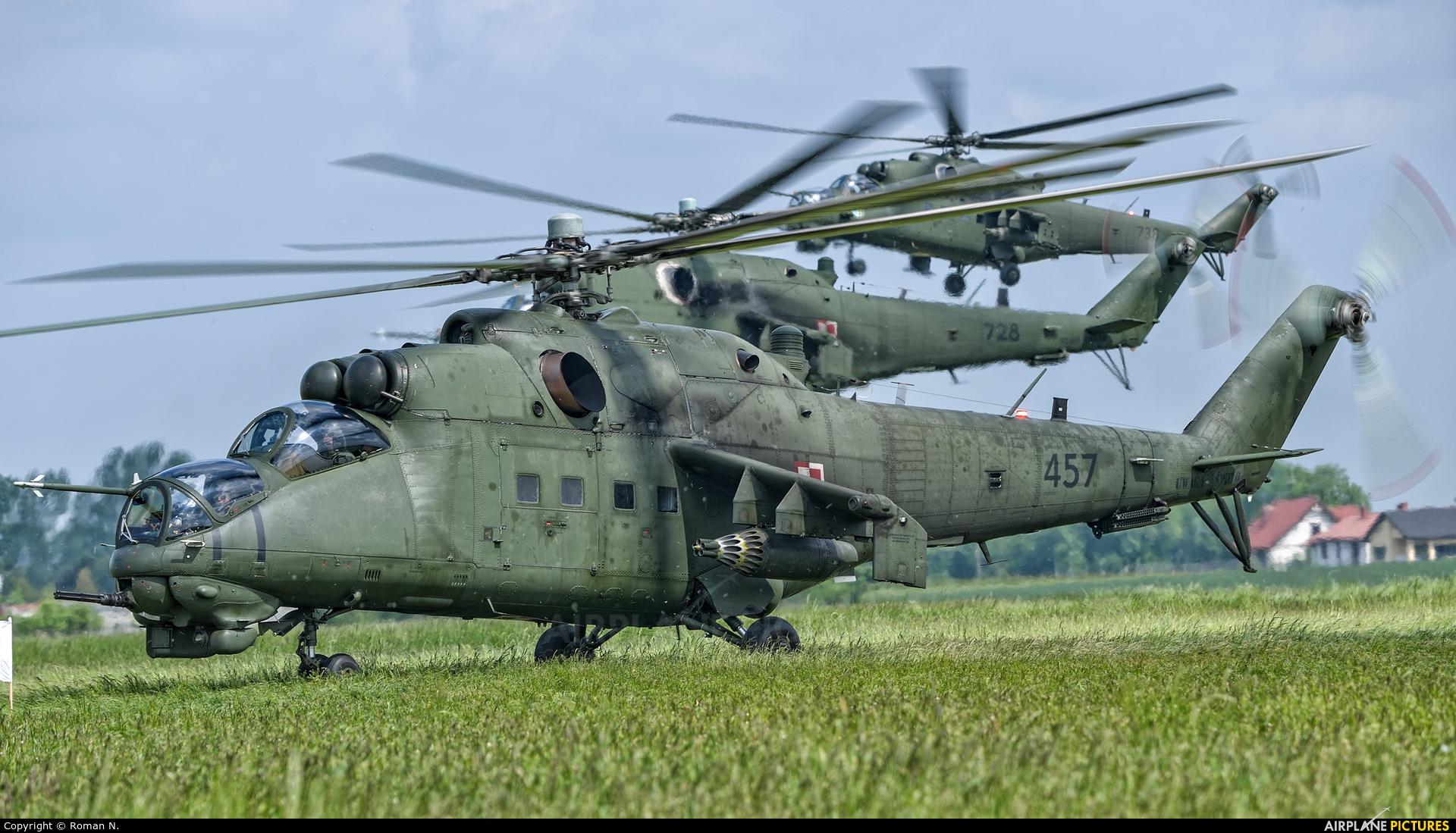 Poland - Army 457 aircraft at Inowrocław