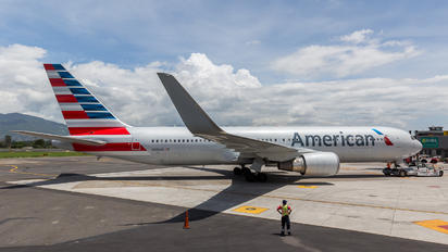 N392AN - American Airlines Boeing 767-300ER