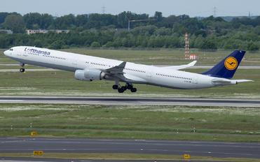 D-AIHL - Lufthansa Airbus A340-600