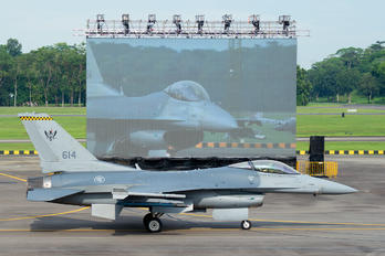 614 - Singapore - Air Force Lockheed Martin F-16CJ Fighting Falcon