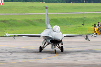 612 - Singapore - Air Force Lockheed Martin F-16CJ Fighting Falcon