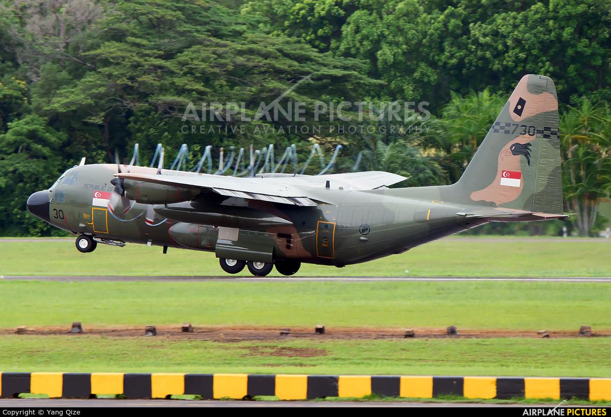 Singapore - Air Force 730 aircraft at Paya Lebar