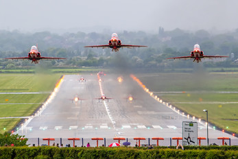 "- - Royal Air Force ""Red Arrows"" - Airport Overview - Aircraft Detail"