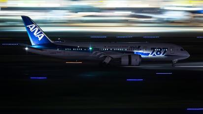 JA807A - ANA - All Nippon Airways Boeing 787-8 Dreamliner