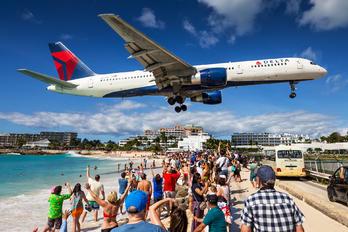 N6709 - Delta Air Lines Boeing 757-200