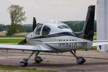 N493TR - Private Cirrus SR22